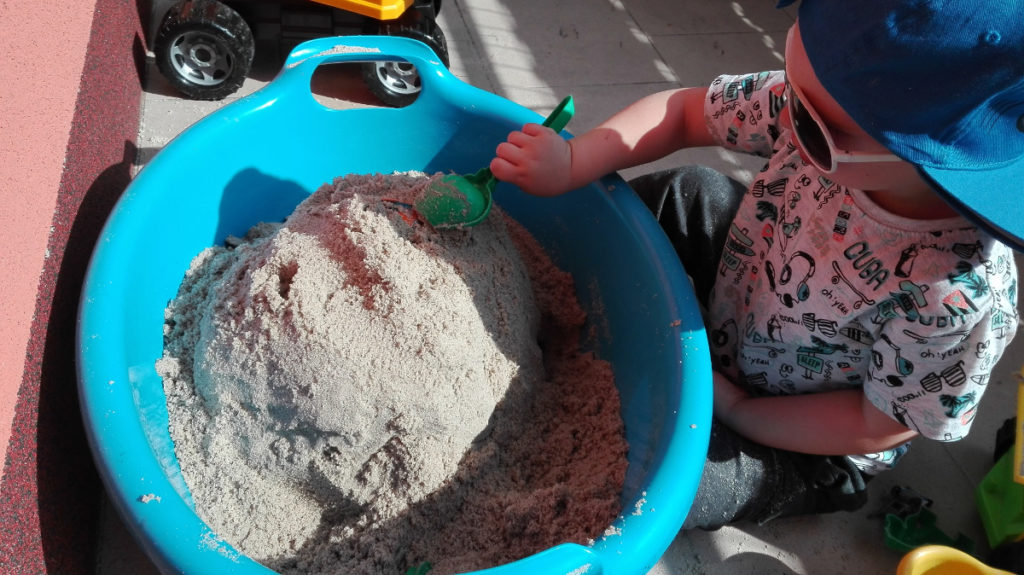 Mamo zrób mi piaskownicę…na balkonie!