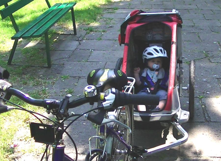 W czym przewozić dziecko na rowerze?