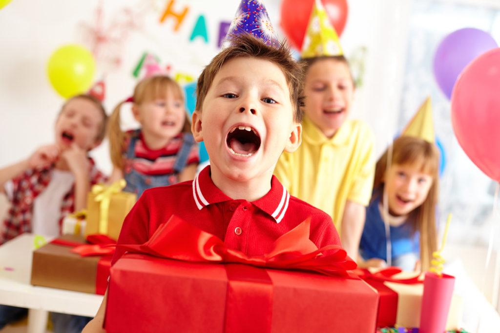 Co podarować dzieciom zamiast słodyczy?