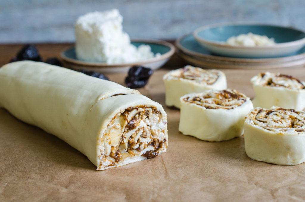 Bułeczki z pastą ze śliwek – idealna przekąska na drugie śniadanie lub podwieczorek