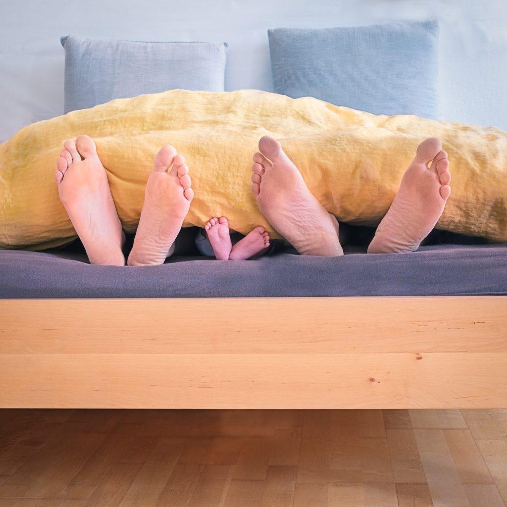 Co-sleeping – czy to bezpieczne dla dziecka?