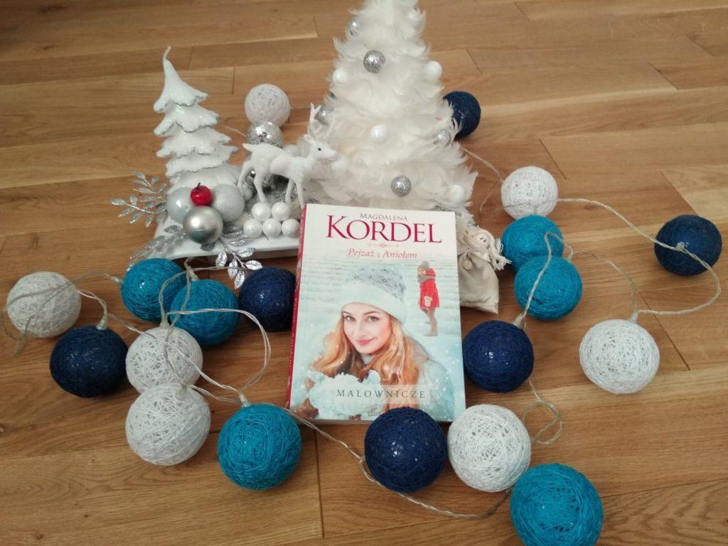 Wpraw się w świąteczny nastrój z książka Magdaleny Kordel Pejzaż z Aniołem