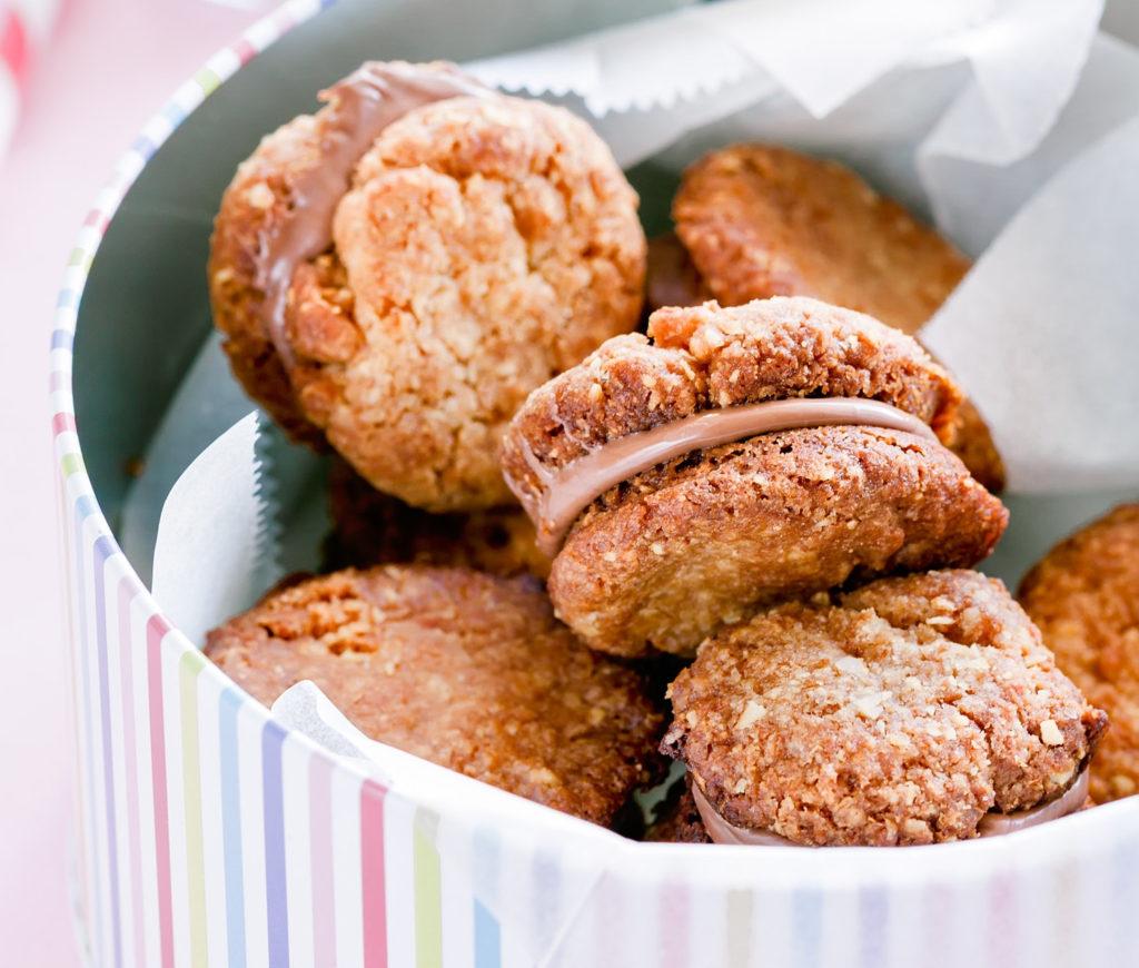 Przepis na słodki orzechowy raj, czyli aromatyczne ciasteczka orzechowe