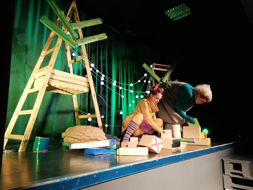 dziwne zwierzęta - czego uczy teatrzyk dla dzieci