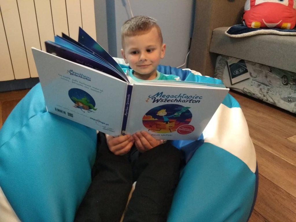Megachłopiec i Wszechkarton – niezwykła książka o wyobraźni