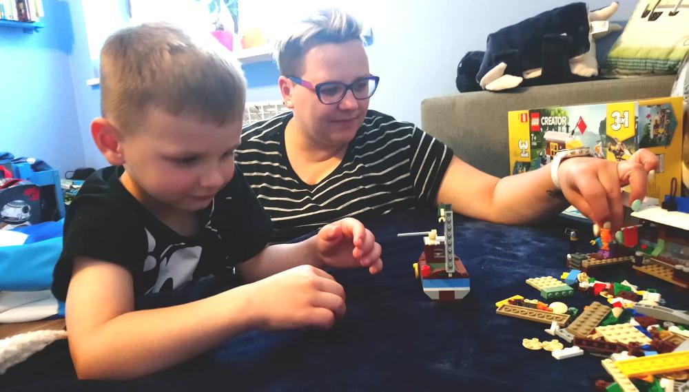 Wspólna zabawa z dzieckiem