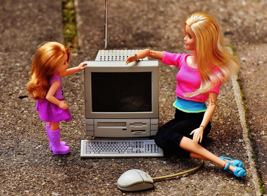 Jak bezpiecznie wprowadzić dziecko w świat internetu?