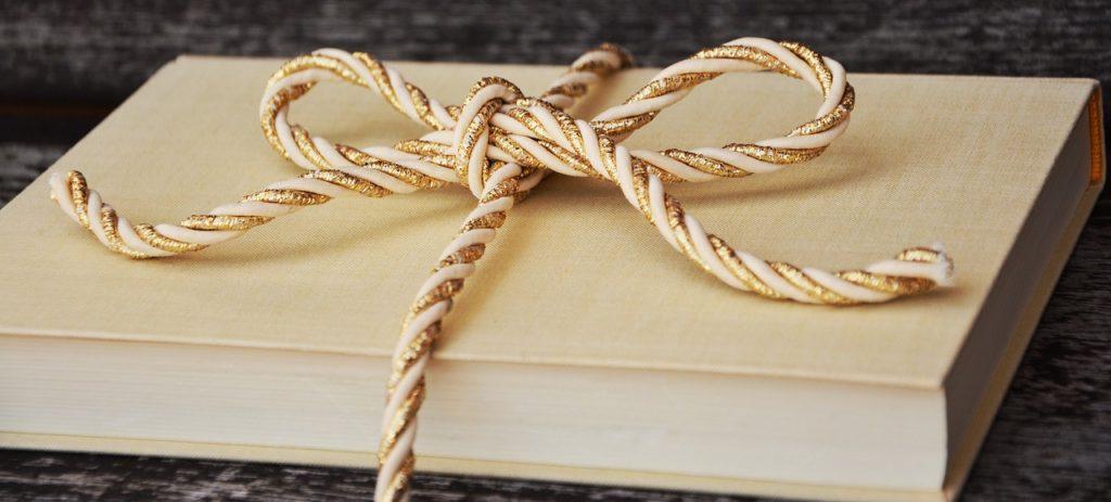 Książka na prezent dla dziecka – czy to dobry pomysł?