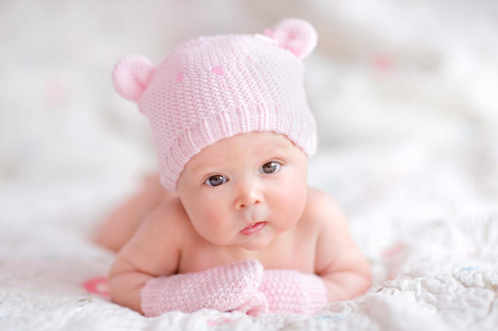 Wyprawka: ubranka i ciuszki niemowlęce – co, gdzie i ile kupić