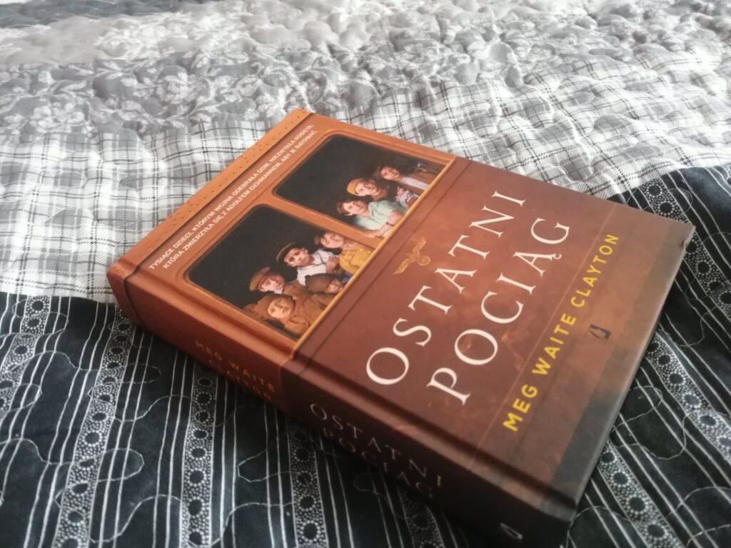 Ostatni pociąg – książka, która powinna stać się szkolną lekturą