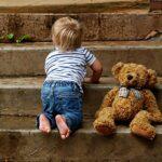 Pamiątki z dzieciństwa – jak uchwycić najważniejsze chwile z rozwoju malucha?