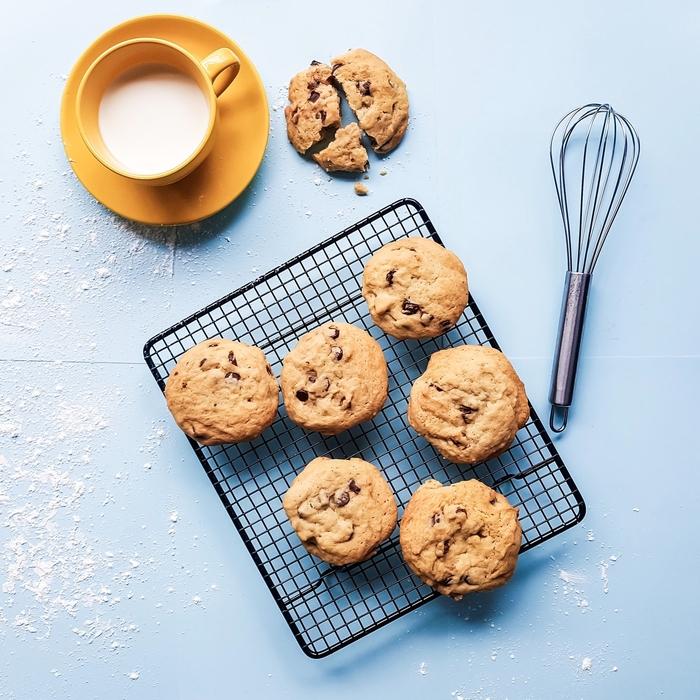 Aromatyczne ciasteczka owsiane z miodem i śliwkami