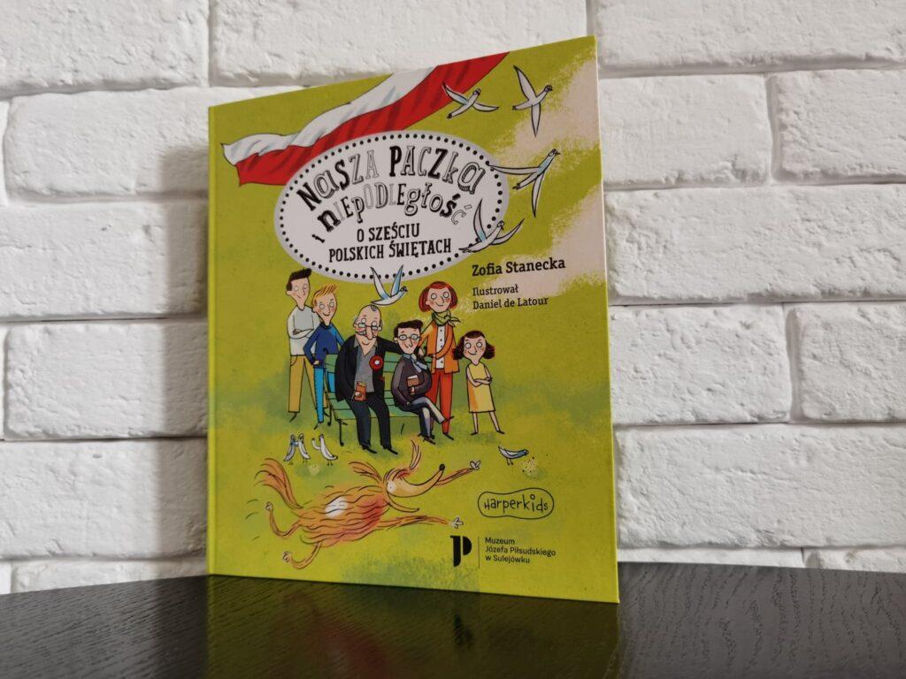 Nasza paczka i niepodległość – książka pomagająca wspierać postawy patriotyczne